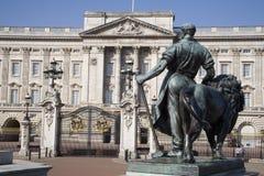 London - Buckingham-Palast Lizenzfreie Stockfotografie