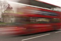 London-Bus fast Lizenzfreie Stockbilder