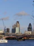 London cityscape över flodThemsen Royaltyfri Fotografi