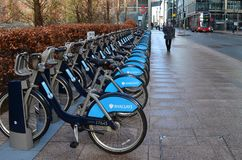 London cycle hire with double decker Royalty Free Stock Photography
