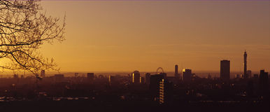 London Dawn. Early morning shot of London skyline at dawn Royalty Free Stock Images