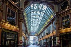 LONDON - DEC 20: Leadenhall marknad på en söndag i London på December Arkivfoto