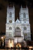 LONDON - DEC 20: Sikt av den Westminster abbotskloster på nattetid i Lond Royaltyfri Fotografi