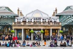 London England - April 4, 2017: Marknad för Covent trädgård, en av th Fotografering för Bildbyråer