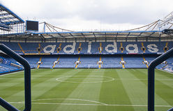 London, England am 13. April 2011. Matthew Harding Stand, previo Stockbild