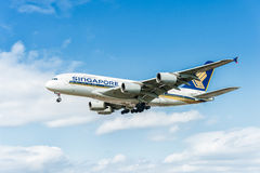 LONDON, ENGLAND - AUGUST 22, 2016: 9V-SKB Singapore Airlines Airbus A380 Landing in Heathrow Airport, London. Royalty Free Stock Photos