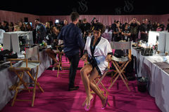 LONDON, ENGLAND - DECEMBER 02: Atmosphere backstage with Imaan Hammam at the annual Victoria's Secret fashion show Stock Images