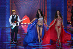 LONDON, ENGLAND - DECEMBER 02: Ed Sheeran performs as models walk the runway at the annual Victoria's Secret fashion show Royalty Free Stock Images