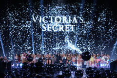 LONDON, ENGLAND - DECEMBER 02: The end of the finale at the the 2014 Victoria's Secret Fashion Show Royalty Free Stock Image