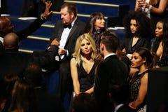 LONDON ENGLAND - DECEMBER 02: Gäster deltar i den Victoria's Secret modeshowen 2014 Front Row & Pre-coctail mottagande Arkivbild