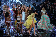 LONDON, ENGLAND - DECEMBER 02: Models during 2014 VS Fashion Show finale Royalty Free Stock Image