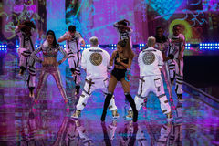 LONDON, ENGLAND - DECEMBER 02: Singer Ariana Grande performs at the annual Victoria's Secret fashion show Stock Images