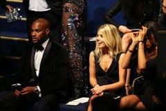 LONDON ENGLAND - DECEMBER 02: Tyson Beckford (v) och gäster deltar i den Victoria's Secret modeshowen 2014 Royaltyfri Bild