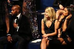 LONDON ENGLAND - DECEMBER 02: Tyson Beckford (v) och gäster deltar i den Victoria's Secret modeshowen 2014 Arkivfoton