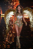 LONDON, ENGLAND - DECEMBER 02: Victoria's Secret model Behati Prinsloo walks the runway Stock Photography