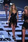 LONDON, ENGLAND - DECEMBER 02: Victoria's Secret model Constance Jablonski walks the runway Stock Photo