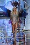 LONDON, ENGLAND - DECEMBER 02: Victoria's Secret model  Devon Windsor walks the runway Stock Photos