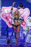 LONDON, ENGLAND - DECEMBER 02: Victoria's Secret model Elsa Hosk walks the runway Stock Photo
