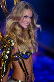 LONDON, ENGLAND - DECEMBER 02: Victoria's Secret model Lindsay Ellingson walks the runway Stock Photography