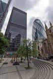 LONDON ENGLAND - JUNI 18 2016: Fantastisk cityscape av affärsbyggnad i stad av London Arkivbild