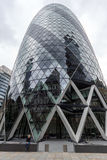 London England - Juni 18 2016: Fantastisk sikt av affärsbyggnad i stad av London Fotografering för Bildbyråer