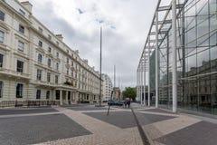 London England - Juni 18 2016: Fantastisk sikt av typisk engelsk byggnad, London Arkivbilder
