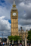 LONDON ENGLAND - JUNI 16 2016: Hus av parlamentet med Big Ben, Westminster slott, London, Storbritannien Arkivbilder