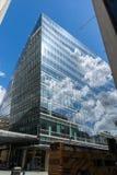 LONDON ENGLAND - JUNI 15 2016: Modern affärsbyggnad i stad av London, England Royaltyfri Bild