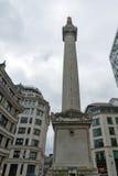 LONDON ENGLAND - JUNI 18 2016: Monument till den stora branden av London, England Arkivfoton
