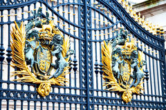In london england the ol d metal gate  royal palace Royalty Free Stock Photo