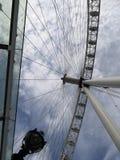 London Eye de la tierra al cielo imagen de archivo