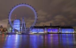 London Eye e aquário na noite imagens de stock