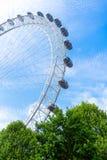 London Eye en blauwe hemel, het Verenigd Koninkrijk, 21 Mei, 2018 royalty-vrije stock afbeelding