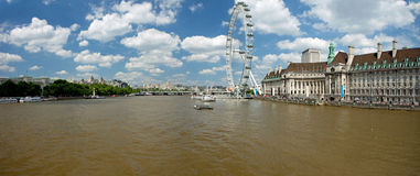 The London Eye on River Thames Royalty Free Stock Photos