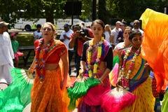 24/06/2018 London Förenade kungariket Älskvärda färger på gatorna Arkivfoton
