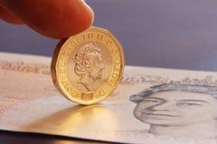 LONDON FÖRENADE KUNGARIKET, ÅR 2017 - ett brittiska pund, ny typ 2017 Royaltyfria Foton