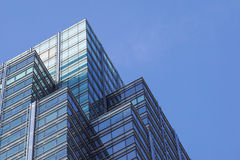 London Förenade kungariket - April 06 2017: Canary Wharf är ett av de två viktiga affärsområdena i London _ Arkivfoton
