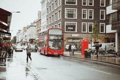 London Förenade kungariket - Augusti 18, 2017: Gatorna av London Arkivbilder