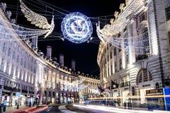 London Förenade kungariket - 12/19/2017: En sikt av gatan och är Royaltyfria Foton