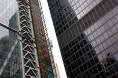 London Förenade kungariket - Juli 2017: London byggnader under den öppna dagen i london Royaltyfria Bilder