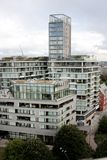 London Förenade kungariket - Juli 2017: London byggnader under den öppna dagen i london Fotografering för Bildbyråer