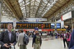 London Förenade kungariket, Juni 2018 Victoria Station arkivfoto
