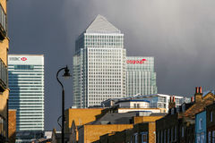 LONDON - FEBRUARY 12 : Canary Wharf and other buildings in Dockl Royalty Free Stock Photos
