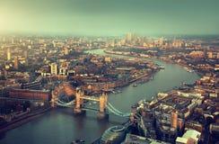London flyg- sikt med tornbron Arkivbilder