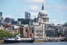 London från den Waterloo bron Royaltyfria Foton