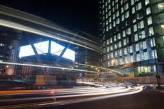 London gammal gata på natten Arkivfoto