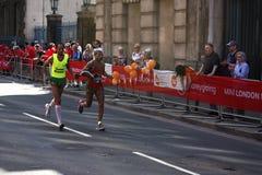 London, Großbritannien April 2018: Blinder Läufer im London-Marathon Stockfotos