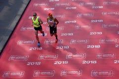 London, Großbritannien April 2018: Blinder Läufer im London-Marathon Stockbild