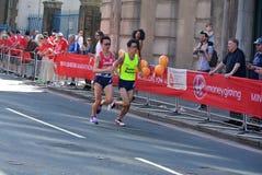 London, Großbritannien April 2018: Blinder Läufer im London-Marathon Lizenzfreie Stockfotografie