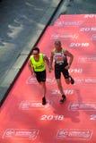 London, Großbritannien April 2018: Blinder Läufer im London-Marathon Stockfoto
